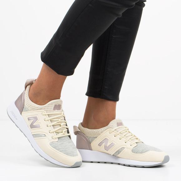 3b6c439665068 NEW BALANCE 420 Slip On Sneakers. M_5a790057f9e50104cdf0ef49